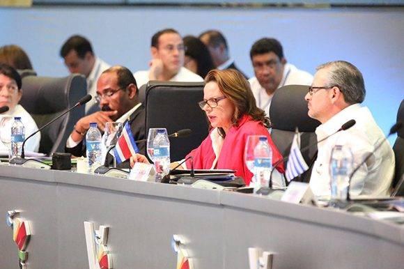 En representación de la República de Costa Rica, la vicepresidenta Ana Elena Chacón Echeverría sostuvo en su intervención que el camino más viable hacia la paz y la democracia es la cooperación. Foto: @PresidenciaRD/ Twitter.