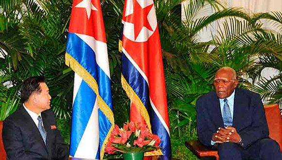Cuban VP receives his North Korean counterpart