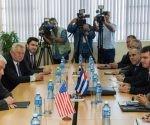 ina Pedraza Rodríguez (D), ministra de Finanzas y Precios de Cuba, sostuvo un encuentro de trabajo con Thomas J. Donohue (I), Presidente de la Cámara de Comercio de los Estados Unidos, en La Habana. Foto: Marcelino Vázquez/ ACN.