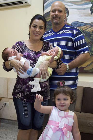 Una familia feliz. Foto: Ladyrene Pérez/ Cubadebate.