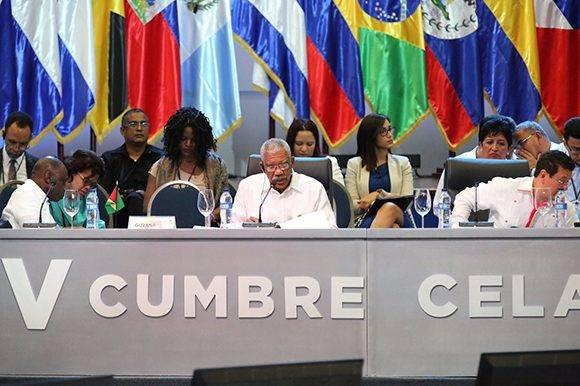 David Granger, Jefe de Estado de la República Cooperativa de Guyana, durante su intervención en la V Cumbre de la Celac. Foto: @PresidenciaRD/ Twitter.