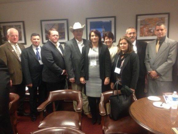 Empresarios cubanos en el Capitolio de Texas. Foto: Embacuba EEUU