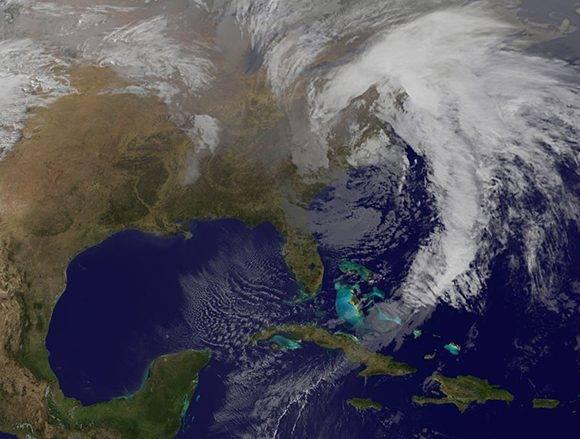 Imagen que muestra la fuerte y extensa baja extra tropical sobre Carolina del Sur que afecta la costa norte occidental de Cuba. Foto: NOAA/ INSMET.