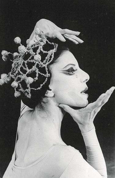 Josefina Méndez en Dionaea. Foto: Cortesía del Ballet Nacional de Cuba.