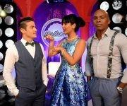 """Los conductores de """"Bailando en Cuba"""" (de izq a der) Carlos Solar, Camila Arteche y Leo Benítez. Foto: @BailandoEnCuba/ Facebook."""
