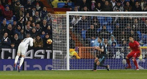 Álvaro Morata anota el gol que cierra la goleada. Foto tomada de Marca.