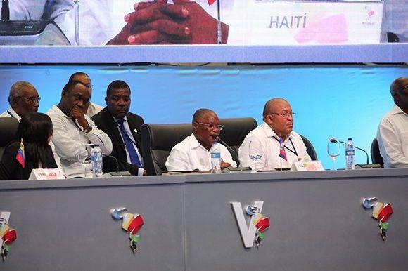 El presidente de Haití, Jocelerme Privert, interviene en la V Cumbre de la Celac. Foto: @PresidenciaRD/ Twitter.