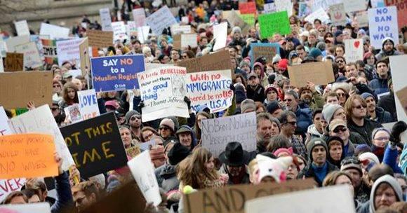 Masivas protestas contra Donald Trump en Boston. Foto: Darren Mccollester/ AFP.