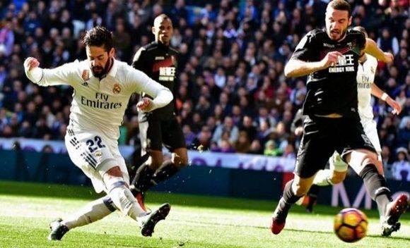 El Madrid arrolló al Granada con un Isco descomunal, que marcó dos goles, e igualó el récord de imbatibilidad, con 39 partidos sin perder. El Granada fue un pelele.