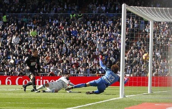 Fue un partido masaje, pero también una prueba más de que no hay quien tosa a este Madrid, que ha hecho de la conquista de esta Liga cuestión de honor.