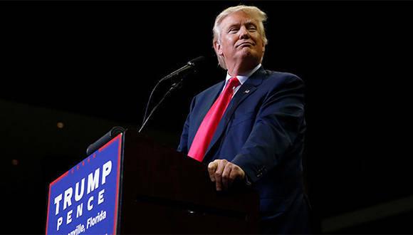 Donald Trump se defiende. Foto: Reuters.