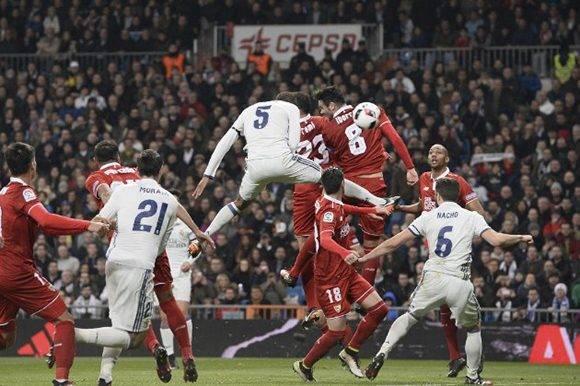 El momento en que Varane puso el segundo gol. Foto tomada de Marca.