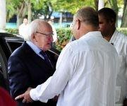 El Excelentisimo Sr. Michael D. Higgins es recibido por el Ministro de Salud de Cuba Dr. Morales Ojeda. Foto: Roberto Garaicoa Martinez/CUBADEBATE.
