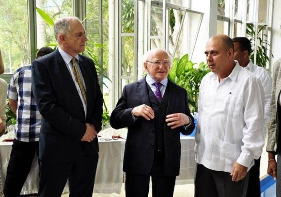 El Dr. Morales Ojeda, Ministro del ramo departe con el Sr. Michael D Higgins. Foto. Roberto Garaicoa Martinez. Foto: Roberto Garaicoa Martinez/CUBADEBATE.