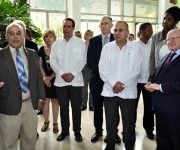 3 De derecha a izquierda, Sr. Michael D. Higgins, Presidente de Irlanda, Dr. Morales Ojeda, Ministro de Salud, Dr. Jose Angel Portal viceministro primero y Dr. Manuel Romero Placeres, director IPK. Foto: Roberto Garaicoa Martínez/CUBADEBATE.