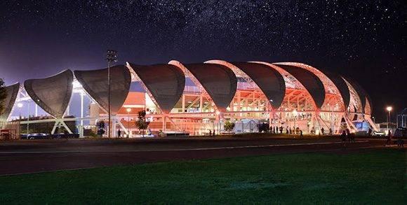 Charros de Jalisco. Este estadio está ubicado en Zapopan, Estado de Jalisco en México. Tiene capacidad para 13 mil espectadores y su superficie es artificial.