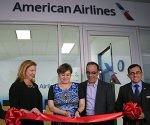 Inauguran primera oficina de American Airlines en Cuba. Foto: AFP