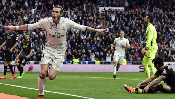 Gareth Bale marca el 2-0 ante el Espanyol. Foto: Javier Soriano/ AFP.