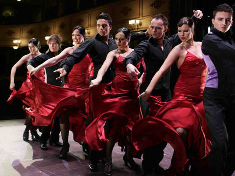 Ballet Español de Cuba en escena. Foto tomada de Radio Metropolitana.