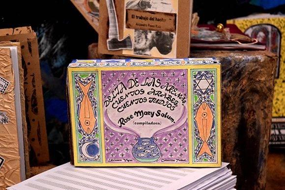 La institución edita los libros, plaquettes, revistas, catálogos y otros, con diversos materiales. Foto: Cinthya García Casañas/ Cubadebate.