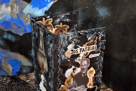 """""""Dos patrias"""" es una de las novedades editoriales en esta Feria. Foto: Cinthya García Casañas/ Cubadebate."""
