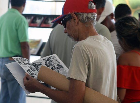 Buscando en la Feria del Libro (II). Foto: José Raúl Concepción/ Cubadebate.