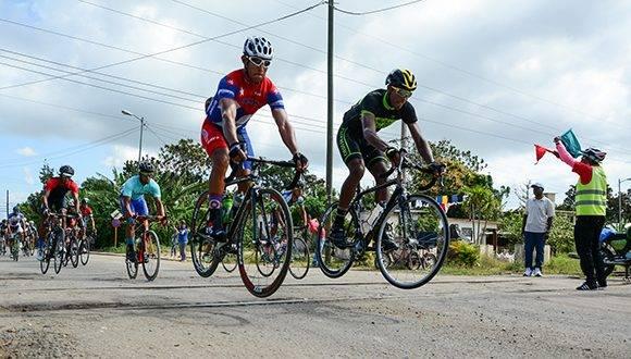 Organiza Camagüey evento ciclístico para celebrar Día de la Cultura Física y el Deporte