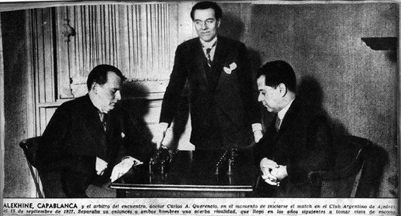 José Raúl Capablanca y Alexander Alekhine en la final del campeonato del mundo de ajedrez en 1927.