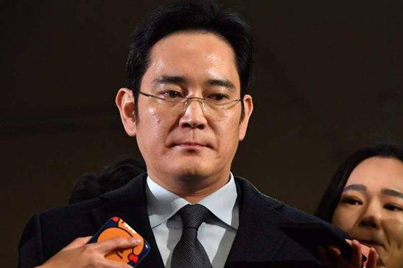 El heredero y presidente en funciones de Samsung, Lee Jae Yong, fue arrestado en vinculación con el escándalo de corrupción. Foto: AFP/ Jung Yeon-Je.