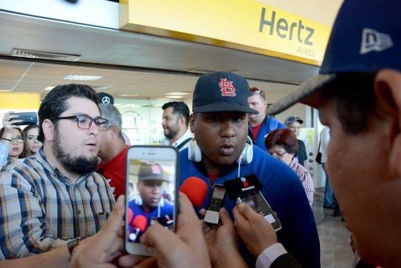 Beisbol-Serie del Caribe-Culiacan llegada del equipo Granma a la sede Alfredo Despaigne