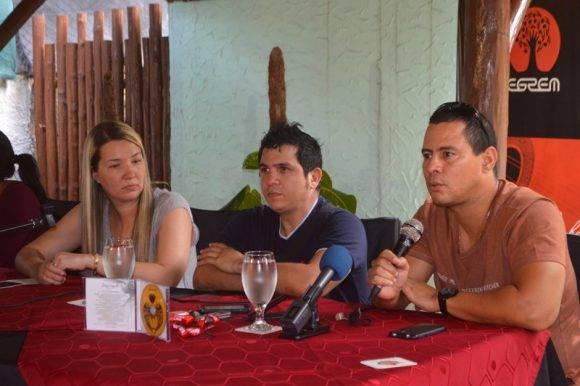 Yoel Martínez e Israel Rojas en la presentación de Sobreviviente. Foto: Marianela Dufflar / Cubadebate