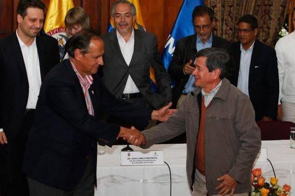 Juan Camilo Restrepo Y Pablo Beltrán. Foto: EFE (Archivo).