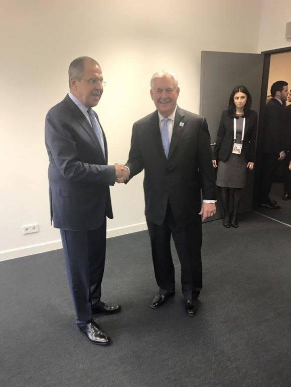 Serguei Lavrov y Rex Tillerson se reúnen en Bonn, en el marco de la cumbre del G-20.