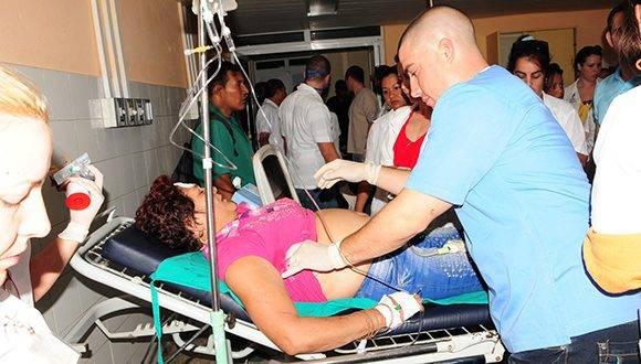Los lesionados están siendo atendidos en el Hospital General Universitario Camilo Cienfuegos. Foto: Vicente Brito/ Escambray.