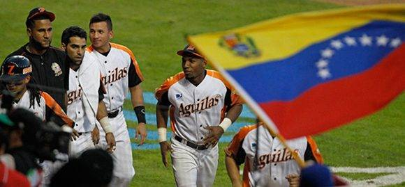 Águilas de Zulia derrota a Tigres de Licey y termina la etapa clasificatoria con balance de 3-1. Foto tomada de ultimasnoticias.com.ve