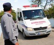 Pronta atención médica a los accidentados del choque entre el coche motor Siguaney-Sancti Spíritus y un tren de caña, en Cuba, el 24 de febrero de 2017.    ACN   FOTO/ Vicente  BRITO/ Periódico Escambray/ rrcc