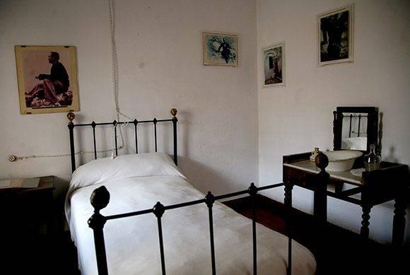 Habitación de Miguel Hernández. Foto: Jennifer Romero.
