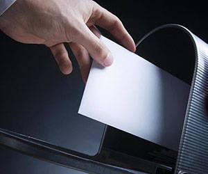 Suspenden servicio de giros postales entre Ecuador y Cuba