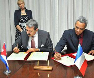 Cuba y Francia suscriben convenio de cooperación científica. Foto: Jorge Luis González