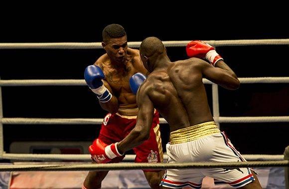 El 91 kg Erisalandy Savón dio KO a Ronald González. Foto: Ismael Francisco/ Cubadebate.
