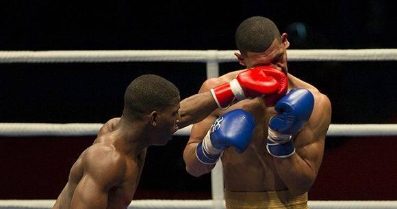 El 64 kg Andy Cruz derrotó a Yoelvis Hernández. Foto: Ismael Francisco/ Cubadebate.