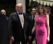 Donald Trump y su esposa durante una actividad protocolar en Florida. Foto: AP.