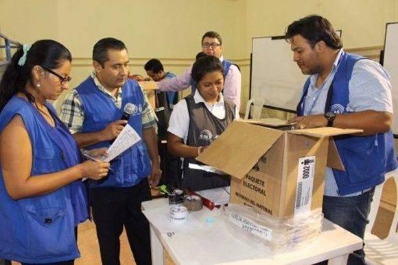 Ecuador a la espera de los resultados finales de elecciones del pasado 19 de febrero. | Foto: @CNE_StaElena.