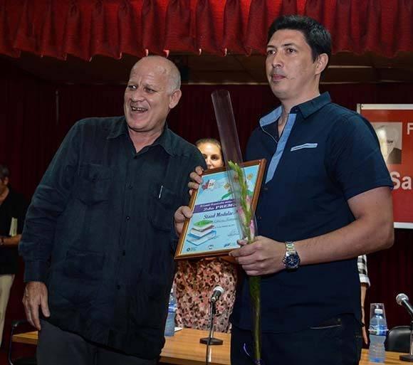 Segundo Premio de Stand Modular, al Sistema de Ediciones Territoriales. Foto: ACN/ Abel Padrón.