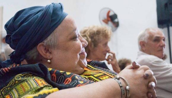 La periodista, investigadora y profesora, Isabel Moya Richard, recibe el Premio Nacional de Periodismo José Martí por la Obra de la Vida 2016, en la sede de la Unión de Periodistas de Cuba (UPEC), en La Habana, el 24 de febrero de 2017. ACN FOTO/ Diana Inés RODRÍGUEZ RODRÍGUEZ/ rrcc