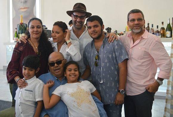 Los hijos de Pablo Milanés también asistieron a la presentación. Foto: Marianela Dufflar/ Cubadebate.