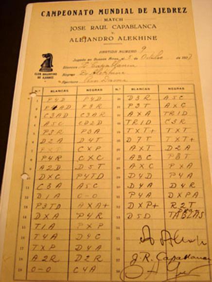 Planilla donde Capablanca anotó una partida terminada en tablas contra el Alexander Alekhine en el histórico match de 1927.
