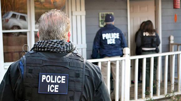 policia-detenciones-inmigrantes-estados-unidos