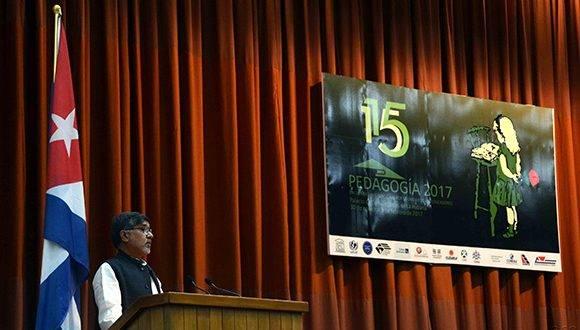 Conferencia magistral de Kaislash Satyarthi, Premio Nobel de la Paz 2014, durante el encuentro internacional por la unidad de los educadores Pedagogía 2017, en el Palacio de las Convenciones, en La Habana, el 1 de febrero de 2017. ACN FOTO/Marcelino VÁZQUEZ HERNÁNDEZ/dirr