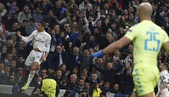Casemiro marcó un golazo que selló la victoria del Real Madrid ante el Napoli. Foto: EFE.